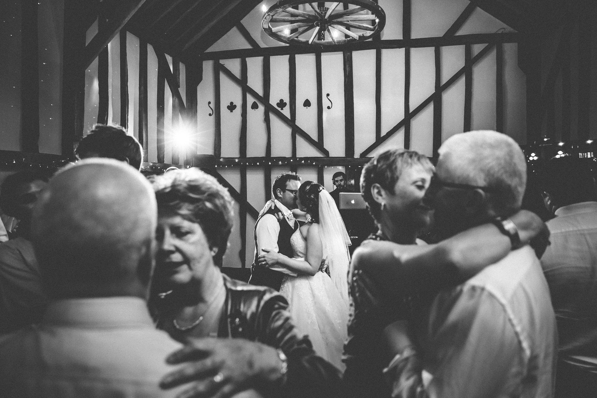 pitt_hall_barn_wedding_0109